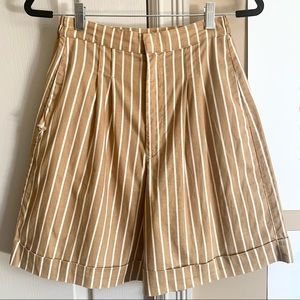 Vintage | Striped high-waisted shorts